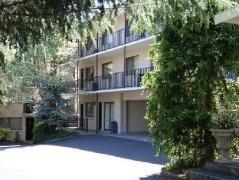 Grosvenor Court Apartments