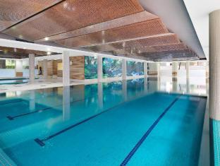 Meriton Serviced Apartments Waterloo Sydney - Indoor Heated Pool