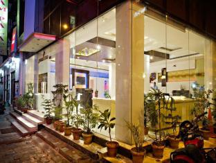 Hotel Krishna New Delhi and NCR - Hotel Entrance