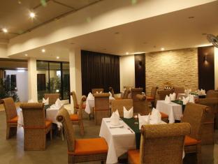 Palmyra Patong Resort פוקט - מסעדה