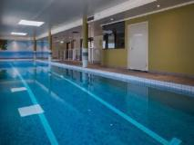 Fiori Apartments: swimming pool