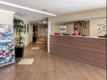 Fiori Apartments: reception