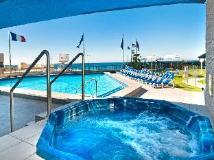Surfers International Apartments Resort: facilities