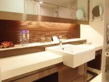Metropole Hotel: bathroom