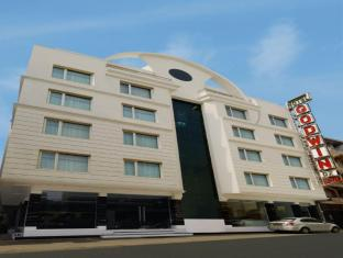 Godwin Deluxe Hotel