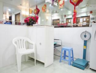 Lucky Hostel - Las Vegas Group Hostels HK Hong Kong - Reception Area