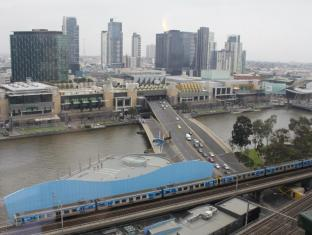 Best Western Riverside Apartments Melbourne - Actual view from River view apartment