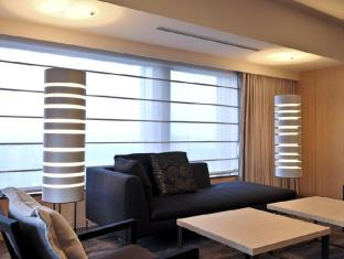 The Capitol Hotel Tokyu Tokyo - Executive Suite living area