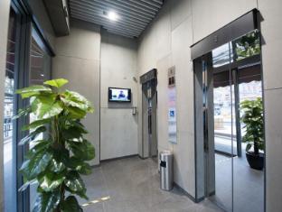 Hotel MK Hong Kong - Ground floor lift lobby