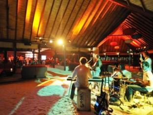 Robinson Club Maldives Maldives Islands - Main Bar - Live Music