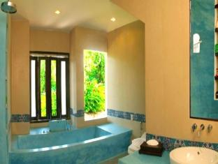 Piraya Resort & Spa Phuket - Badrum