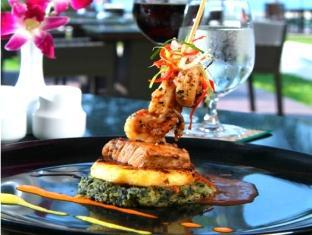 Piraya Resort & Spa Phuket - Restaurang