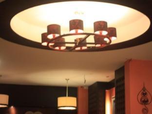 Deva Suites Patong Hotel Phuket - avla