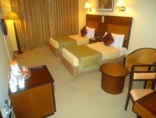 Ramada Katunayake Hotel - Colombo International Airport Negombo - Standard Room