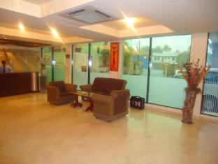 Ramada Katunayake Hotel - Colombo International Airport Negombo - Lobby