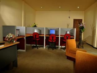 Ramada Katunayake Hotel - Colombo International Airport Negombo - Business Center