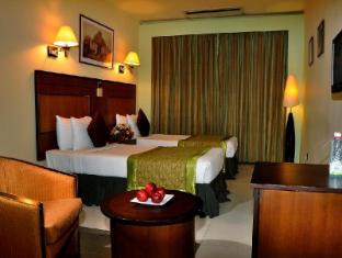 Ramada Katunayake Hotel - Colombo International Airport Negombo - Twin Bed