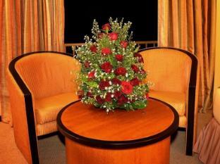Ramada Katunayake Hotel - Colombo International Airport Negombo - Room Chairs