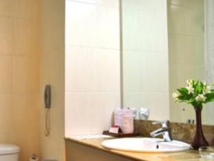 Ramada Katunayake Hotel - Colombo International Airport Negombo - Bathroom