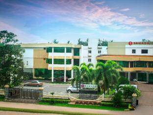 Ramada Katunayake Hotel - Colombo International Airport Negombo - Hotel Exterior Day