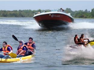 Ramada Katunayake Hotel - Colombo International Airport Negombo - Water Sports