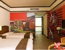 Yoho Bike Hotel: guest room