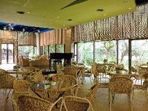 Yoho Bike Hotel: coffee shop/cafe