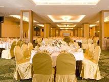 Yoho Bike Hotel: ballroom