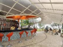 Yoho Bike Hotel: pub/lounge