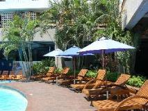 Yoho Bike Hotel: swimming pool