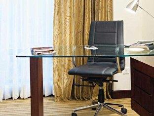 Country Inn & Suites By Carlson Sahibabad New Delhi and NCR - Room Interior