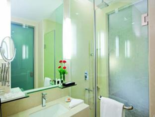 Country Inn & Suites By Carlson Sahibabad New Delhi and NCR - Bathroom