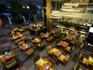The Kee Resort & Spa Phuket - Restaurace