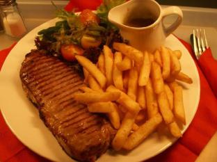 Murray Hotel Perth - Steak and Chips