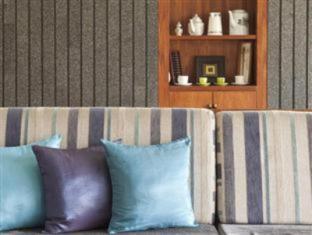 Selaras Guest House & Restaurant Bandung - Bahagian Dalaman Hotel