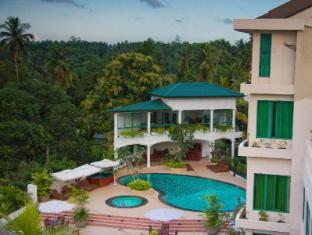 Hotel Clarion Wattala - Piscina