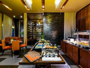 Impiana Private Villas Phuket - Food and Beverages