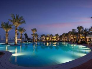 Kempinski Hotel & Residences Palm Jumeirah Dubai - Swimming Pool at Night