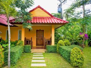 Lanta Pavilion Resort Koh Lanta - Outside Bungalow View