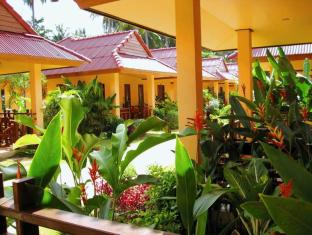 Lanta Pavilion Resort Koh Lanta - Veranda Seating Area