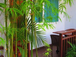 The Billabong Hotel & Hostel Phnom Penh - Exterior