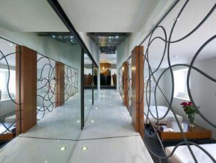 Hotel Metropolis רומא - בית המלון מבפנים