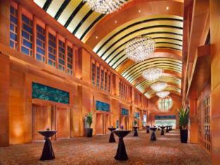 Resorts World Sentosa - Hotel Michael Singapore - Resorts World Ballroom - Lobby