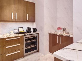 Resorts World Sentosa - Hotel Michael Singapore - 2-Bedroom Suite Kitchen