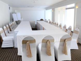 Ramada Colombo Hotel Colombo - Meeting Room
