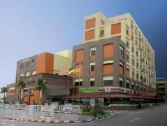Carlton Holiday Hotel & Suites | Malaysia Hotel Discount Rates