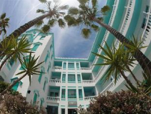 /sv-se/hotel-es-vive/hotel/ibiza-es.html?asq=vrkGgIUsL%2bbahMd1T3QaFc8vtOD6pz9C2Mlrix6aGww%3d
