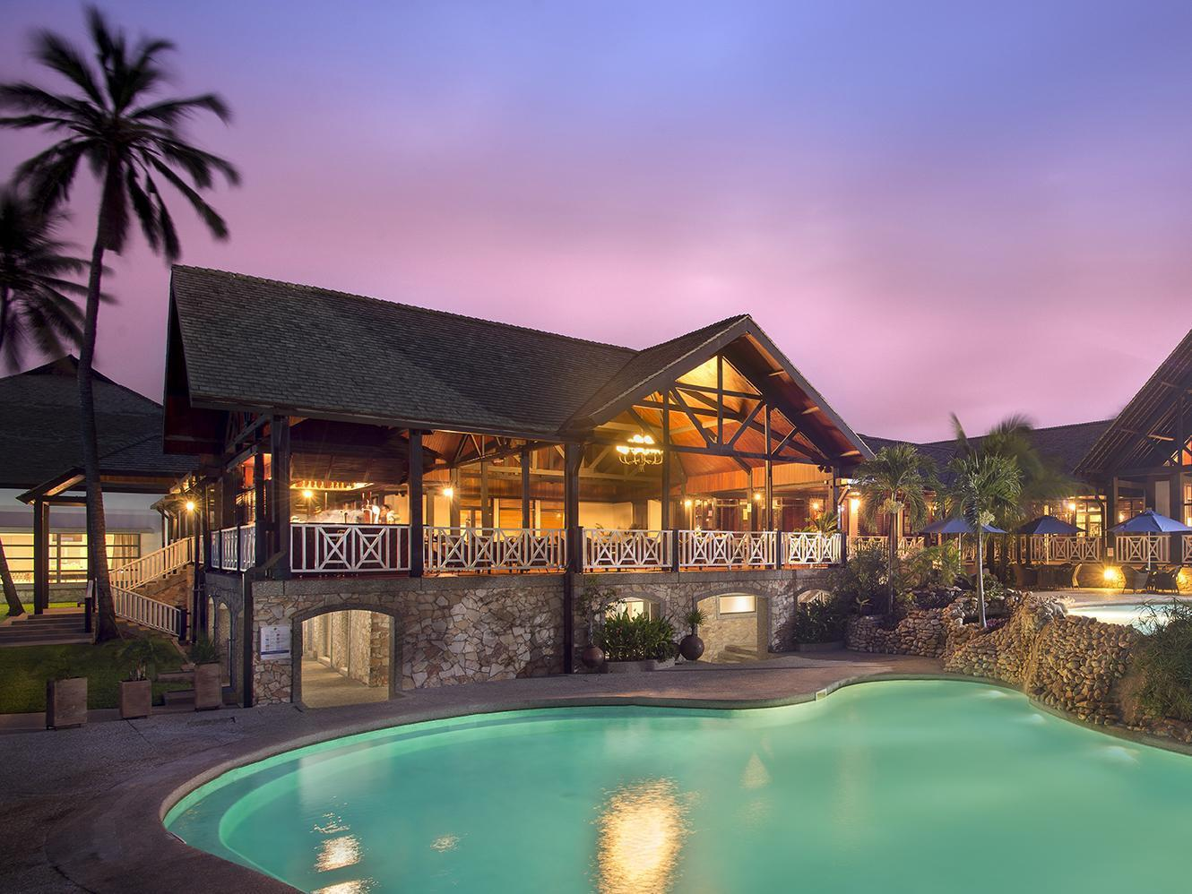 Four and five star hotels in accra you need to know about for Luxury hotels near