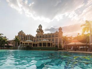 /the-palace-of-the-lost-city/hotel/pilanesberg-za.html?asq=GzqUV4wLlkPaKVYTY1gfinnxXPve7l3W0jyUakI8S09XB0I4QR4nTWl5aD3fbUAF%2f1iCF0R4r1ss2qIPR7VA20lvEbuCZPMEWajJiSIpF9Q%3d