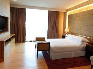 Century Kuching Hotel Kuching - Four Points Suite - Bedroom